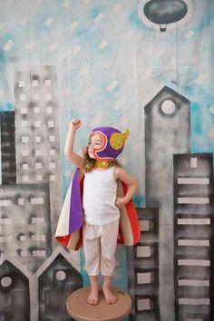 Vuelo superhéroe traje, cabo púrpura y sombrero de ala, chica poder, regalo niña