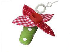 Seifenblasen - Blume als Kleckerschutz von Broderie pour tous! auf DaWanda.com