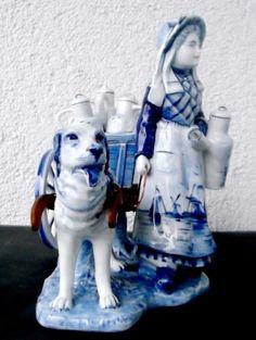 Delft-Holland-um-1900-figuerliches-Porzellan-Maedchen-mit-Milchgespann-antik-1A