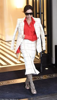 Victoria Beckham means business in chic checked skirt suit as she steps out in NYC Beckham Suit, Harper Beckham, Skirt Suit, Jacket Dress, Style Victoria Beckham, Business Chic, Business Meeting, Fashion Dictionary, Mature Fashion