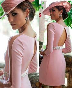 La imagen puede contener: 2 personas, personas de pie Elegant Dresses, Cute Dresses, Short Dresses, Prom Dresses, Summer Dresses, Formal Dresses, Wedding Dresses, Maid Dress, Classy Dress