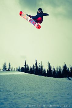 I wanna snowboard so bad!! #http://www.jeffbrockmeyer.blogspot.com/