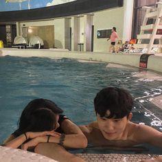 𝐏𝐢𝐧𝐭𝐞𝐫𝐞𝐬𝐭 : 𝐝𝐨𝐦𝐢𝐧𝐨_𝐳 #ulzzang #love #couple #ulzzangcouple #loveit Couple Goals, Cute Couples Goals, Relationship Goals Pictures, Cute Relationships, Ulzzang Couple, Ulzzang Girl, Cute Couple Pictures, Couple Photos, Korean Couple
