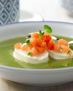 Waterkerssoep met mozzarella en tartaar van tomaat - 15gram ! Soup Recipes, Great Recipes, Healthy Recipes, Good Food, Yummy Food, Tasty, Xmas Food, Sugar Free Recipes, Fun Cooking