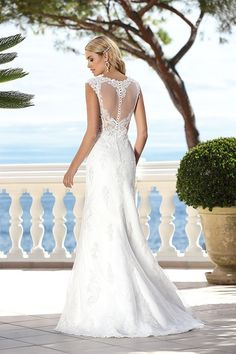 Wedding dresses by Ladybird Bridal are stylish, affordable and have the perfect fit. Also plussize sizes, vintage and bohemian bridal wedding dresses! Lace Wedding Dress, Bridal Wedding Dresses, Our Wedding, Wedding Ideas, Wedding Silhouette, Dress Collection, Marie, Stylish, Dress Ideas
