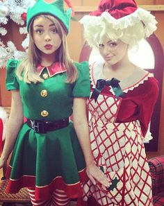 22 Halloween costumes ideas worn by our favorite celebs in years past Christmas Elf Costume, Xmas Elf, Running Costumes, Cool Costumes, Celebrity Halloween Costumes, Halloween 2013, Dwarf Costume, Elf Clothes, Holiday Outfits
