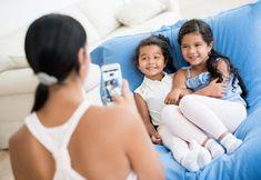 Bien es cierto que los padres nos enloquecemos tomando muchísimas fotos de nuestros hijos, tenemos de todas sus primeras veces, eventos, cumpleaños, y ni qué decir cuándo son recién nacidos. También algunos padres las comparten en sus redes sociales. Pero hasta qué punto se deben o no compartir estas fotos. Muchas personas escogen por no… Lee más»