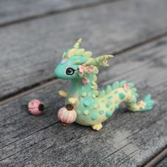 Lantern Dragon Polymer Clay Charm made by Amba Jacobs thelittlemew Polymer Clay Kunst, Polymer Clay Dragon, Polymer Clay Kawaii, Polymer Clay Figures, Polymer Clay Sculptures, Polymer Clay Animals, Fimo Clay, Polymer Clay Projects, Polymer Clay Charms
