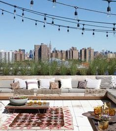 Outdoor Living Outdoor terrace with style and string lights?Outdoor terrace with style and string lights? Rooftop Terrace Design, Rooftop Deck, Rooftop Garden, Terrace Ideas, Rooftop Lounge, Pergola Ideas, Terrace Floor, Balcony Ideas, Patio Chico