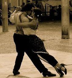 Google Image Result for http://3.bp.blogspot.com/_F9XJa-85Jl4/SmdHlgjHZTI/AAAAAAAAABI/NWGvHpjPJjI/s320/Tango_dancers.jpg