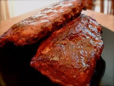 Nothing compares to the flavor of a slow cooked chuck roast. The tender beefy taste of a well prepared chunk of beef is something that meat-lovers dreams are made of. Chuck Roast In Oven, Oven Roast, Pot Roast, Oven Cooking, Cooking Time, Cooking Recipes, Ribs, Sauce Barbecue, Meat Lovers