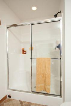 Oakdale II RG748A - Grandville LE Modular Ranch Walk in fiberglass shower!