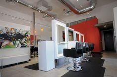 Easy ideas Salon decorating by Blason Internat Hair Salon Interior, Salon Interior Design, Salon Design, Salon Stations, Beauty Salon Equipment, Decoration, Salon Decorating, Beauty Bar, Beauty Shop