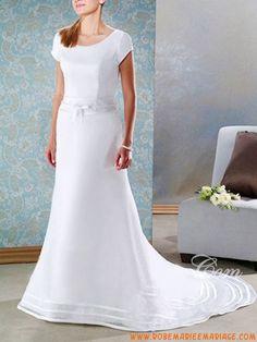 Robe de mariage princesse à manches courtes avec traîne