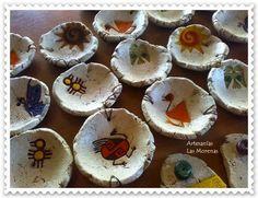 Resultado de imagen para macetas en pasta piedra Mundo Hippie, Diy Resin Mold, Pasta Piedra, Paper Mache Crafts, Pinch Pots, Do It Yourself Crafts, Glass Dishes, Paper Clay, Cold Porcelain