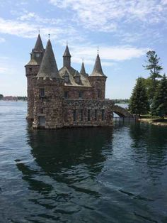 Bolt castle Kingston On Canada Travel, Kingston, Cathedral, Castle, Canada Destinations, Cathedrals, Castles
