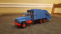Mack Refuse Packer- By Robert Scott Garbage Truck, Tow Truck, Trucks, Robert Scott, Model Building Kits, Ho Scale, Plastic Models, Packers, Diecast