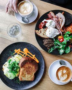 4th breakfast stop in #Berlin: @19grams.coffee - the coffee shop of Berlin roasters Tres Cabezas. Bread again by Berlin based bakery @albatrossberlin.  #berlinberlin Coffee Shop, Berlin, Bakery, Bread, Breakfast, Ethnic Recipes, Shopping, Food, Coffee Shops