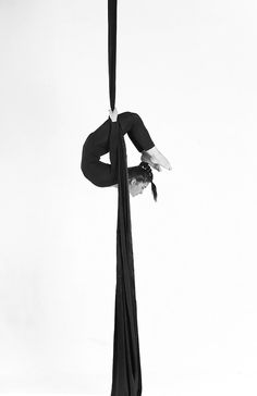 want to dance with suspended silks!