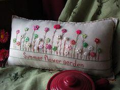 Flor de verano jardín almohada Cottage Style por PillowCottage, $27.00