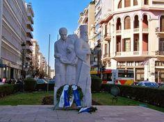 e-Pontos.gr: «Θεσσαλονίκη-Ανοιχτή Πόλη»: Χάλια το άγαλμα των Πο...
