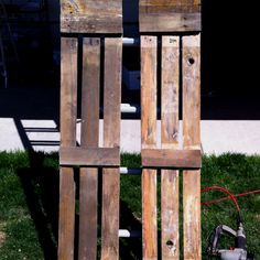 Shudders made from pallet wood. So easy!!