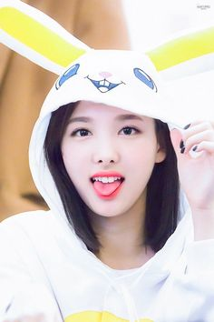 Fans have long held that TWICE's Nayeon looks like an adorable bunny because of her cute looks. K Pop, Kpop Girl Groups, Korean Girl Groups, Kpop Girls, Girl Day, My Girl, Bigbang, Girl Tongue, Twice Once