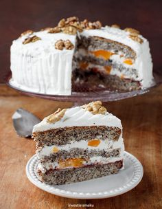 Poppy seed layer cake with peaches and mascarpone frosting Polish Desserts, Polish Recipes, Poppy Cake, Fudge Cake, Sweets Cake, Happy Foods, Great Desserts, Occasion Cakes, Piece Of Cakes