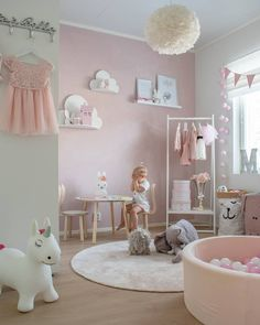 Baby Girl Nursery Room İdeas 722898177672177632 - Haven't spend that much time inside when there is degrees outside 😎 Have a great new week! Nursery Room, Room Decor Bedroom, Girls Bedroom, Girl Toddler Bedroom, Toddler Rooms, Girl Nursery, Baby Girl Room Decor, Princess Room, Kids Room Design