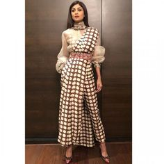 10 Ideas Celebrities Inspired to Wear Traditional Saree with a Modern Twist - Tikli.in- Fashion and Beauty Trends, Designer Collections, Exclusive Deals, Bollywood Style and Saree Draping Styles, Saree Styles, Dress Indian Style, Indian Dresses, Indian Designer Outfits, Designer Dresses, Saree With Pants, Modern Sari, Saree Trends