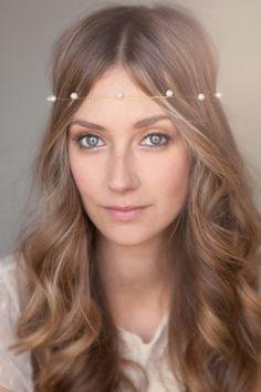 gold and pearl halo headband from White Truffle Studio #hairaccessories #bride #weddinghair http://www.whitetrufflestudio.com/