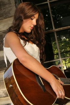 I'm completely obsessed with Kree Harrison. Wish i could go to her Grand Ol' Opry debut in June!!!! Congrats Kree!!!