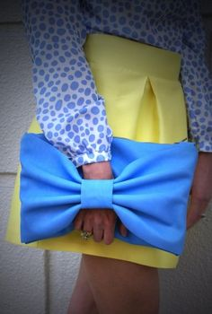 Bow clutch in periwinkle