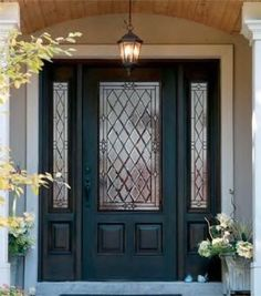 Front Door Paint Colors - Want a quick makeover? Paint your front door a different color. Here a pretty front door color ideas to improve your home's curb appeal and add more style! Front Door Porch, House Front Door, Glass Front Door, Front Door Decor, Front Door Side Windows, Front Entry, Glass Door, Beautiful Front Doors, Black Front Doors