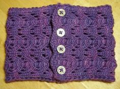 Ravelry: Blackberry Cowl pattern by Krista A. free 10 ply aran 90 yds/82 m