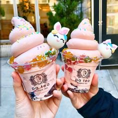 Image about fashion in Food🍓🍑🍒 by Gayane on We Heart It Cute Desserts, Delicious Desserts, Dessert Recipes, Yummy Food, Comida Disney, Kawaii Dessert, Yummy Ice Cream, Happy Easter Everyone, Rainbow Food