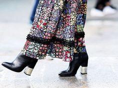Bye stilettos, hello block heel shoes!  #blockheels #blockheelsshoes #heels #heelsshoes #black #flower #skirt