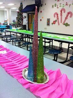 Room Moms Rock: School Cafeteria Holiday Decor