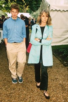 Jean Shrimpton with her son Thaddeus at David Frost's annual summer party, London, England, United Kingdom, 1998, photograph by Rex Features (photographer unattributed).