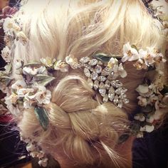 """Love the hair at Dolce & Gabbana SS14 x -- not really fashion, but I don't have a board for """"fantasy hair,"""" so here it goes!"""