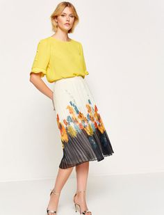 دامن بلند گلدار زنانه کوتون Fitted Skirt, Pleated Skirt, Midi Skirt, Satin, Fitness, Skirts, Fashion, Pleated Skirt Outfit, Gymnastics