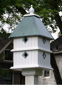 Dovecote Vinyl Birdhouse is durable for long lasting use and major curb appeal. Architectural Style Birdhouse has 8 compartments with metal predator guards, USA made Victorian Birdhouses, Unique Birdhouses, Birdhouse Ideas, Exterior Grade Plywood, Large Bird Houses, Bird Boxes, Plantation Homes, Animal House, Wild Birds