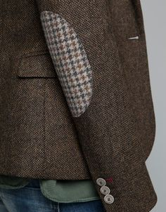 tweed blazer with houndstooth patches English Country Fashion, Pijamas Women, Moda Country, Elbow Patches, Elbow Patch Jacket, Tweed Jacket, Tweed Blazer Men, Zara Blazer, Blazers For Women