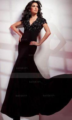 Chiffon Sheath V-neck Long Prom Dresses UK With Appliques Beading only $313.99 dressqueens.com