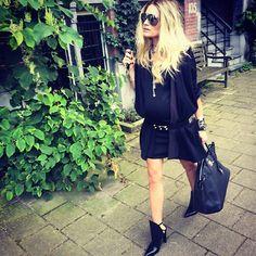 Nikkie Plessen in pretty outfit