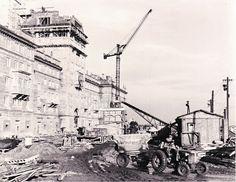 Výstavba nové Poruby v padesátých letech minulého století. Paris Skyline, Travel, Pictures, Viajes, Destinations, Traveling, Trips