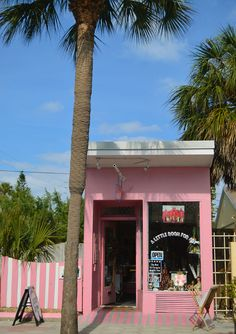 Gulf Coast Florida's Favorite Walkable Vacation Town: Pass-a-Grille - Beaches Bars and Bungalows Florida Travel, Florida Beaches, Pass A Grille Beach, Petersburg Florida, Senior Trip, I Love The Beach, Vintage Florida, Beach Bars, Bungalows
