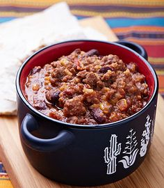 This super-easy and yummy trail chili has to be one of the best dishes to serve on a backpacking trip. Dehydrated Backpacking Meals, Backpacking Food, Dehydrated Food, Camping Meals, Camping Recipes, Camping Tips, Great Recipes, Dinner Recipes, Hiking Supplies