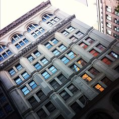 """""""#366_Fifth_Avenue #Acker_Merrall_and_Condit_Building #Building_Buddy @BLDGBUDDY #Office #Architect #Clinton_and_Russell #Built #1908 #11_Stories #138748_sf #RonBet_366_LLC #Developer #Acker_Merrall_and_Condit #Sold #1996 #Lender #Bank_of_New_York #Manager #Joesph_P_Day_Realty ; This #limestone clad beauty was built by its famed auctioneer tenant/developer ; this well maintained corner building is now mostly offices with some significant #vacancy"""""""