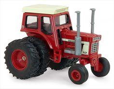 Just Arrived at 3000toys.com: Farm Toys - ERTL - 14870 - Case International 1568 V8 Tractor